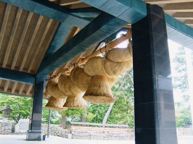 縁結びで有名な神社まとめ!東京都内・近郊