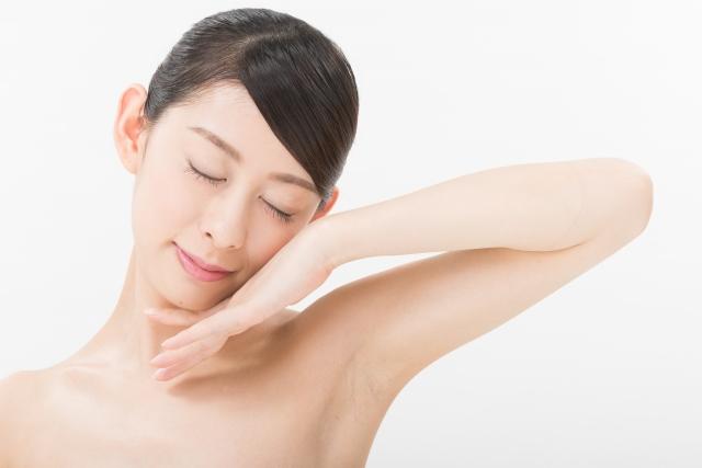 乾燥肌で毎年粉吹き肌になる人必見!改善方法を伝授!